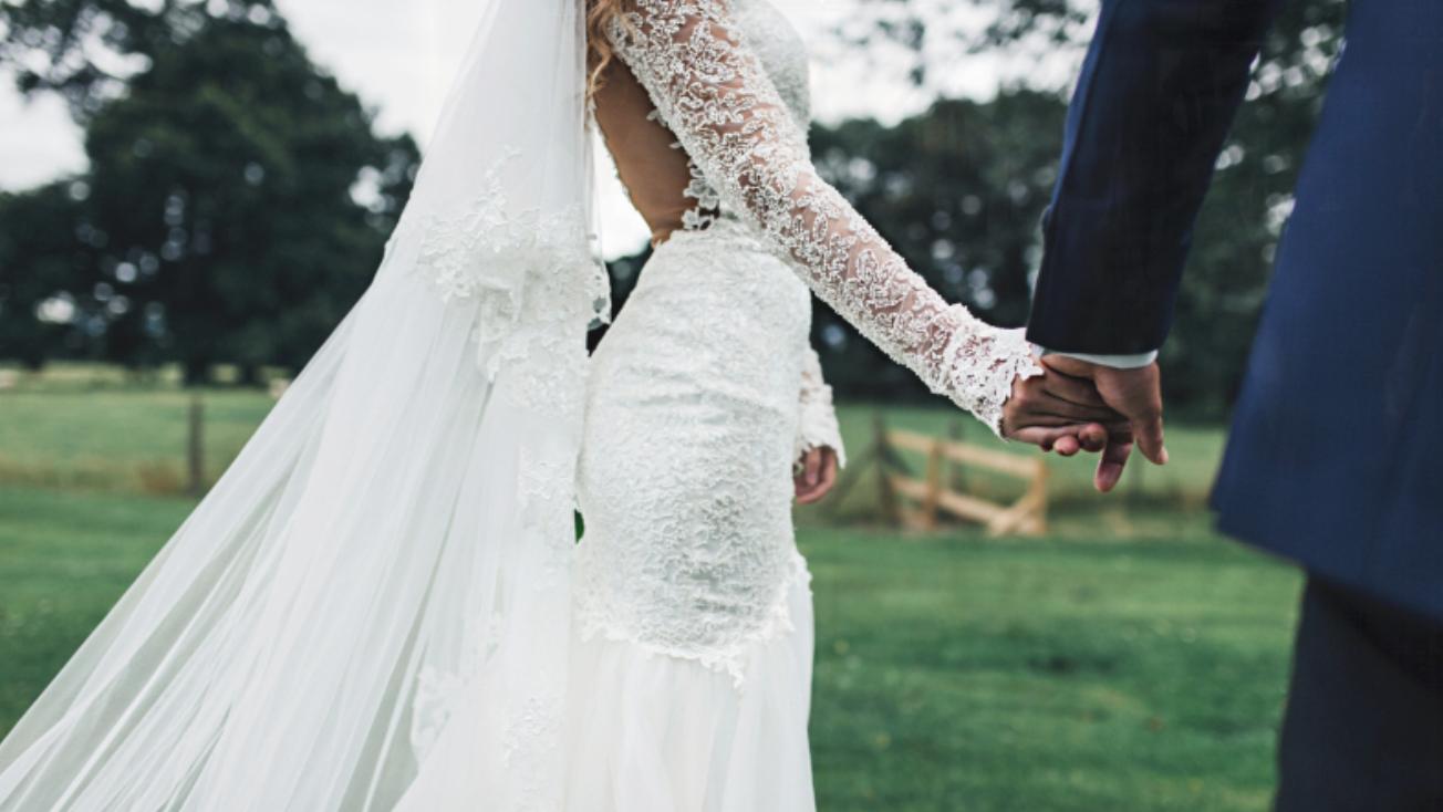 Wedding dress Escot