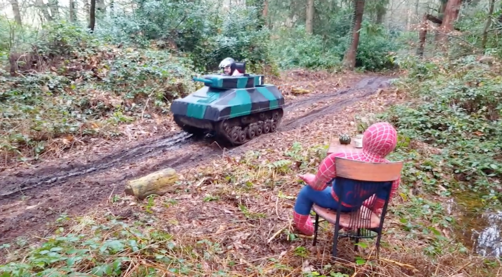 Drive a tank at Escot